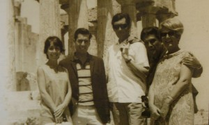 1967 Cortázar with Aurora, Mario Vargas Llosa and a pair of Amricans